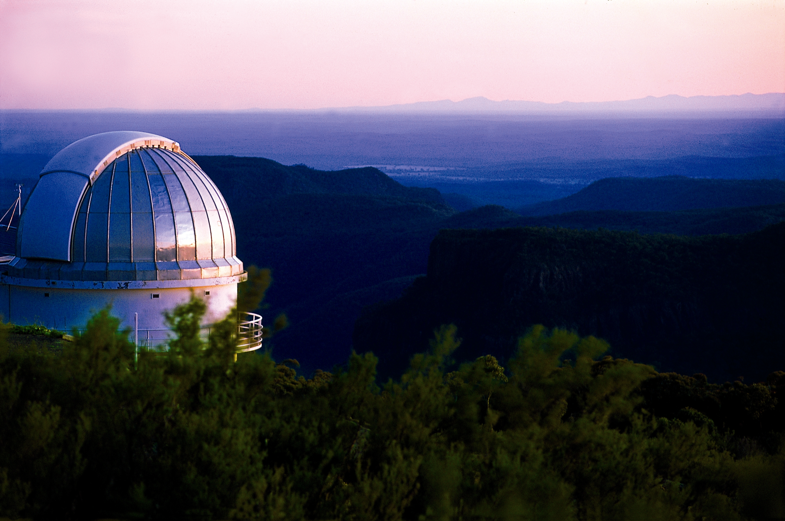 051101 Coonabarabran Siding Spring Observatory - Sunrise with mtn view CR DK